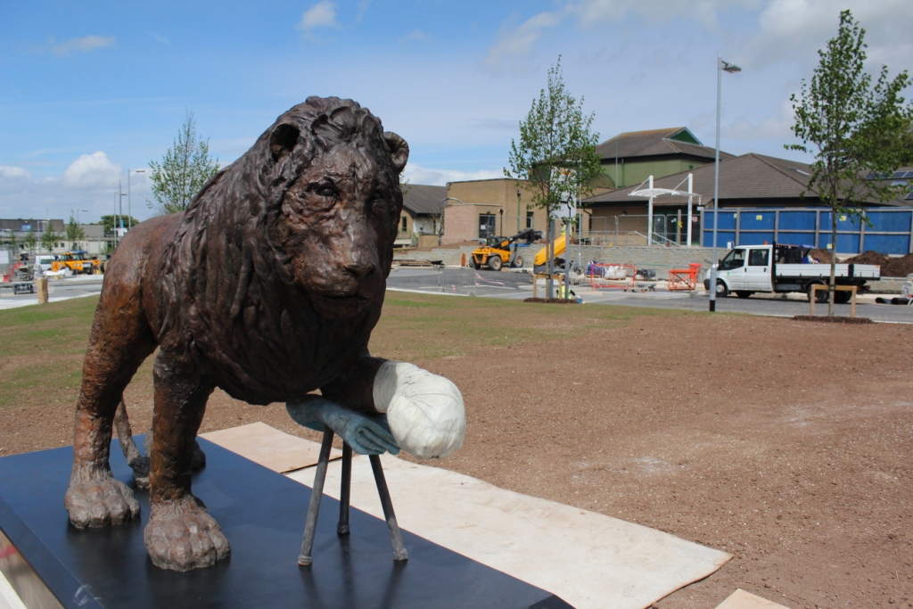 Laura Ford lion sculpture at Southmead Hospital Bristol